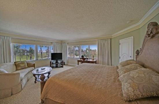 guestroom picture of safety harbor resort and spa. Black Bedroom Furniture Sets. Home Design Ideas