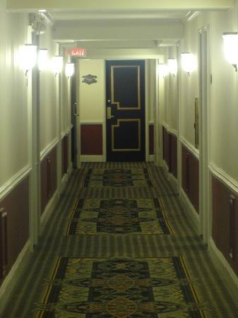 Bourbon Orleans Hotel: 6th floor hallway