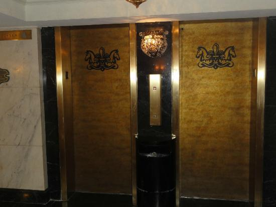 Bourbon Orleans Hotel: Elevators