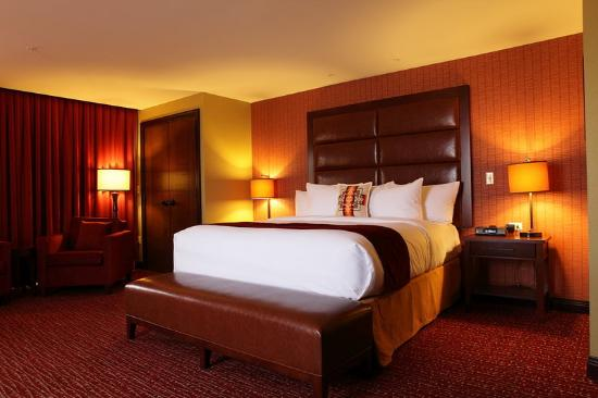 Shoshone Bannock Hotel & Event Center : ASignature Suite King Bed