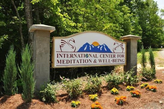 Art of Living Retreat Center: Welcome to the Center