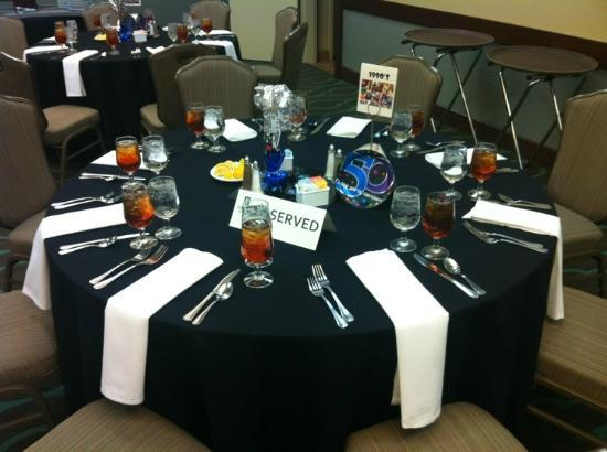 Embassy Suites by Hilton Dallas - Market Center: Birthday Dinner - Table