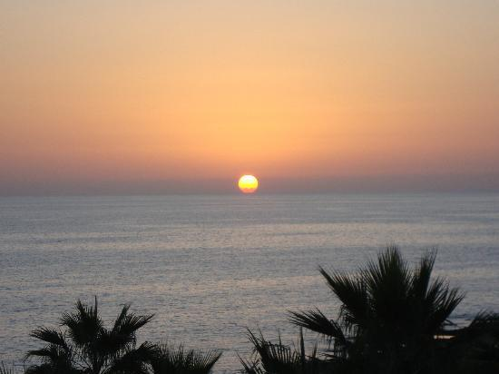 Aquamare Beach Hotel & Spa: Sunset from room