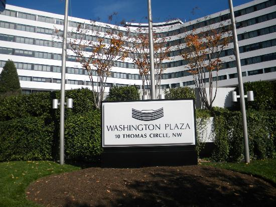 Washington Plaza Hotel: Washington Plaza facade