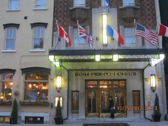 Hotel Clarendon: Entrance