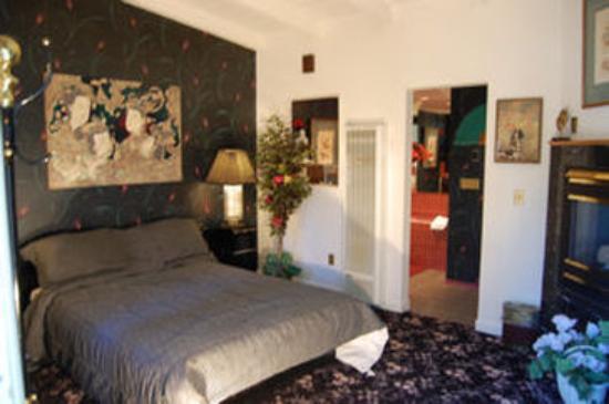 Tahoe Chalet Inn: Geisha