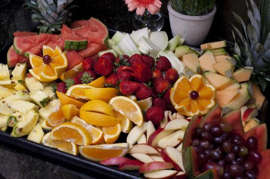 Homewood Suites by Hilton Lubbock: Enjoy fresh fruit with each meal