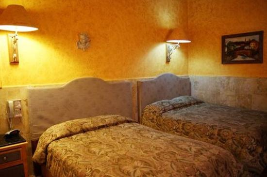 Hotel Torreon: Guest Room