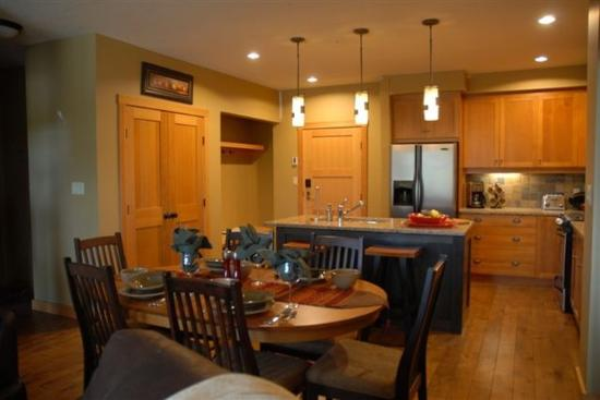 Red Mountain Resort Lodging: Kitchen