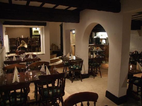 The Old Barn Inn: Restaurant