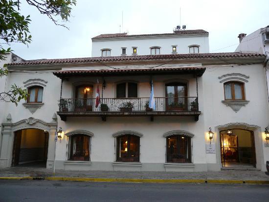 Hotel Solar de la Plaza: Facade vue de la place