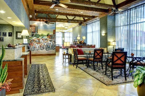 Hampton Inn & Suites Greenville - Downtown - Riverplace : Lobby