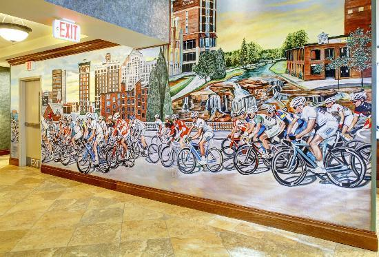Hampton Inn & Suites Greenville - Downtown - Riverplace: Mural