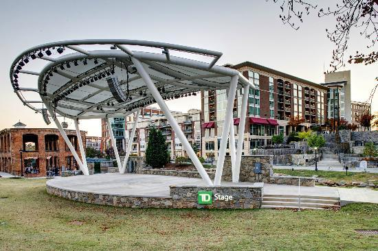 Hampton Inn & Suites Greenville - Downtown - Riverplace: TD Stage