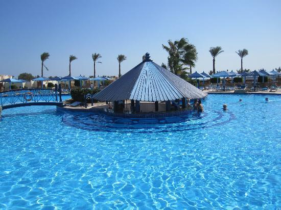 SUNRISE Select Royal Makadi Resort: Pool Bar Sunrise Royal Makadi Hurghada