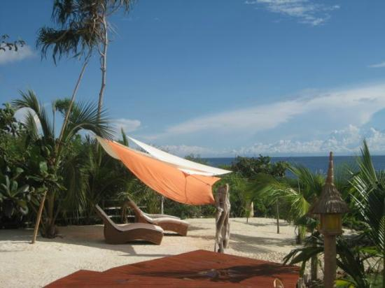 U.Story Guesthouse : beach