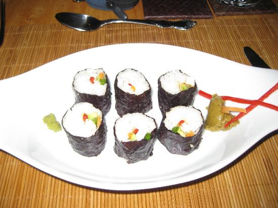 Laguna Lodge Eco-Resort & Nature Reserve: avocado sushi (no seafood)