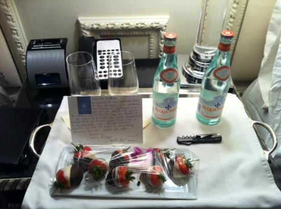 THE US GRANT, a Luxury Collection Hotel, San Diego: Generous apology gift with handwritten note for a minor breakfast mistake