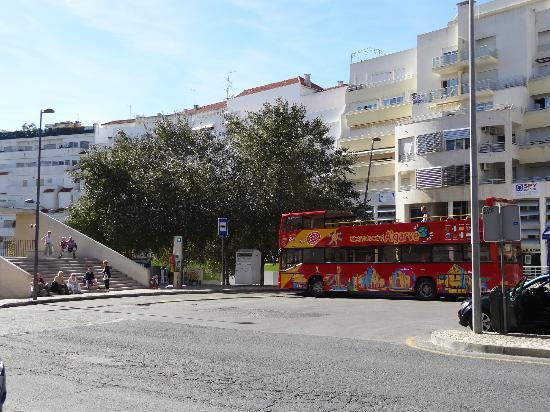 Hotel Sol e Mar: Bus & Taxi stand, Av. da Liberdade
