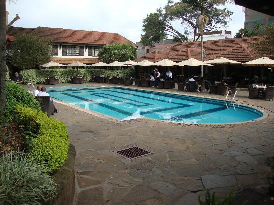 Southern Sun Mayfair Nairobi: Piscina. Sempre ensolarada.
