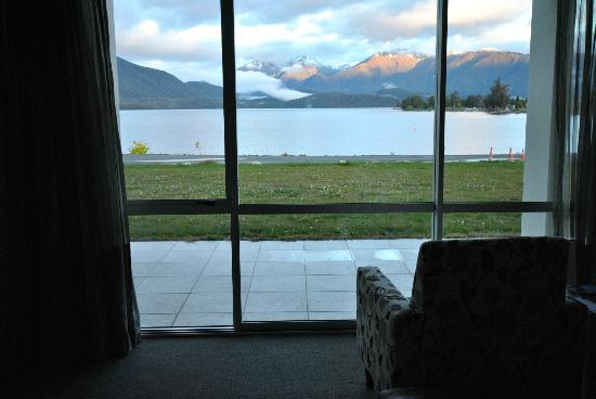 Te Anau Lakeview Holiday Park: View from Living Room
