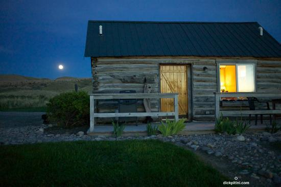 Big Trout Ranch: Vintage Log Cabin by Moonlight