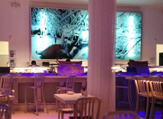 Sushi House - North Miami Beach: Sushi Bar