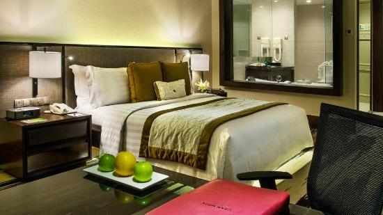 Gran Melia Jakarta: A shot of the premium room