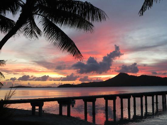 Eden Beach Hotel Bora Bora : sunset