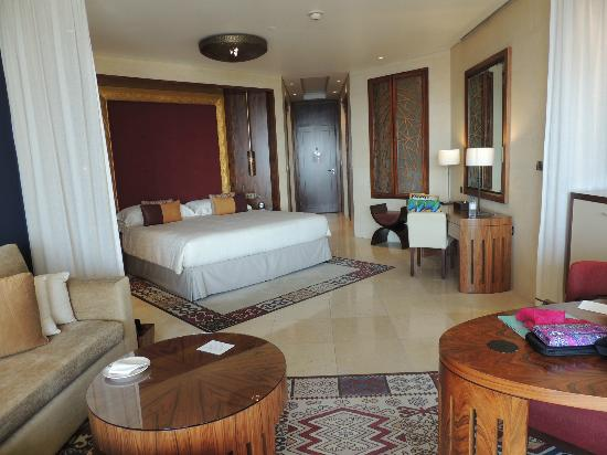 Raffles Dubai: Club Floor room