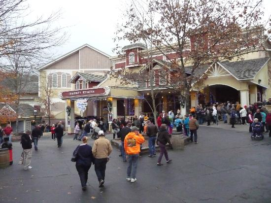 Dollywood Celebrity Theatre Upcoming Shows ... - Live Nation