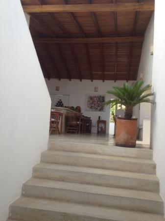 Villa Caracol: ingresso della posada con vista sala da pranzo