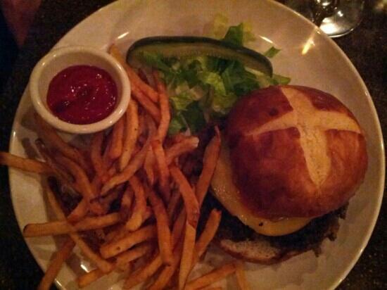 American Harvest Eatery: Steak Burger - Very good!