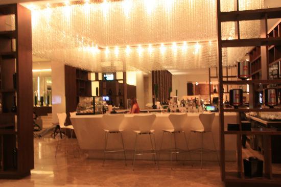 Le Meridien Chiang Mai: Lobby Bar