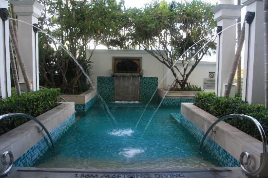 لو ميريديان شيانج ماي: Pool