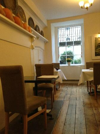 Henrietta House: Charming breakfast area