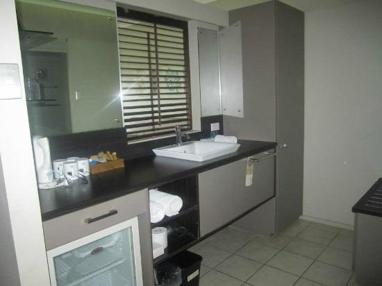 Novotel Nadi: Sink area