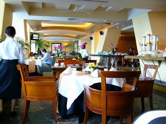Conrad Centennial Singapore: 朝食