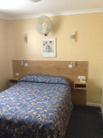 Luna & Simone Hotel: Bed