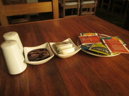Rupa Wasi Lodge: breakfast at the tree house