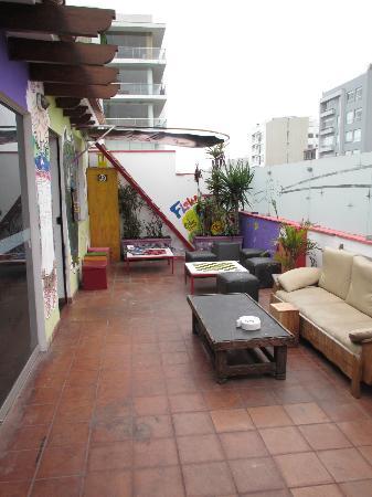سيرك هوستل: rooftop patio 