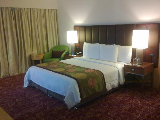 Courtyard By Marriott Hyderabad: Good king size beds
