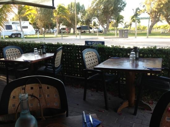 Fins Cafe: outdoor view