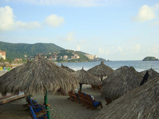 Sunscape Dorado Pacifico Ixtapa: View from beach