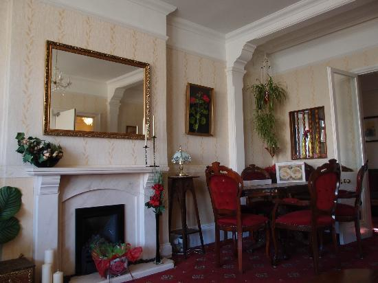 St Georges House: Lounge