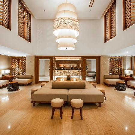 The Magani Hotel and Spa: Lobby Lounge