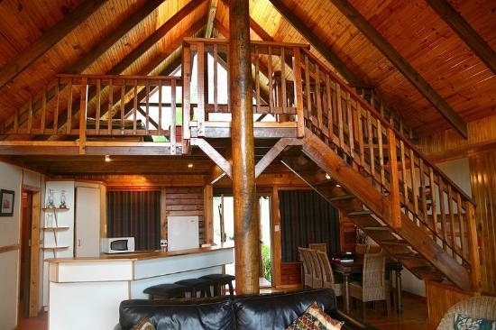 Phantom River View Cabins : Lulama - interior
