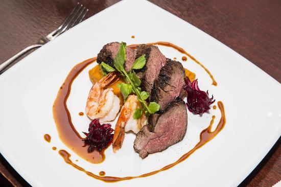 Steeds Club Grill & Bar: Mains: kangaroo fillet and king prawns