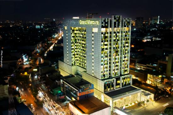 Grand Mercure Jakarta Harmoni : Grand Mercure view from the top