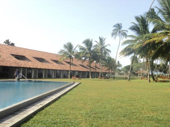 AVANI Bentota Resort & Spa: View of hotel